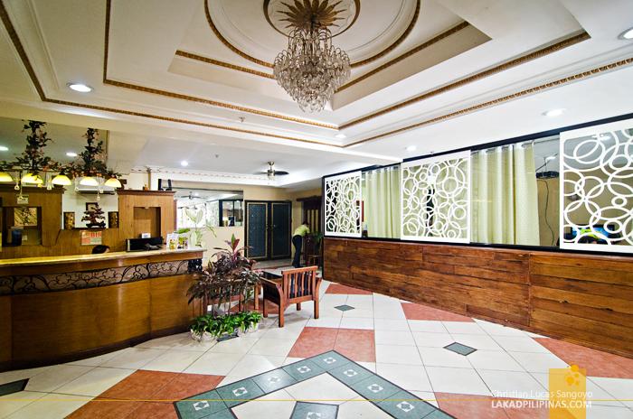 Plaza Maria Luisa Suites Inn Lobby