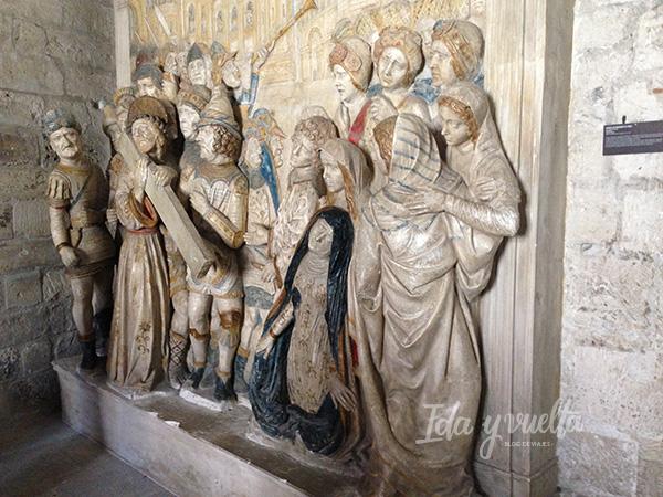 Tallas medievales en el Palacio Papal