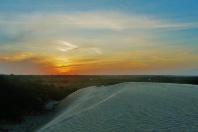 Pôr do Sol nas Dunas de Itaúnas, no Espírito Santo.