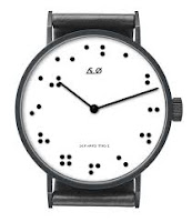Reloj analógico braille