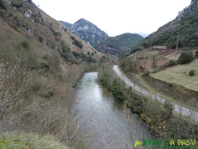 Ruta a la Pica de Peñamellera: Vista del Río Cares