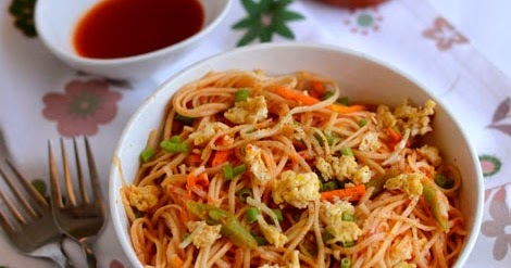 Egg Noodles Recipe How To Make Egg Veg Noodles Indian