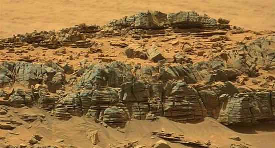 """Formação geológica marciana associada ao suposto """"Crab Monster"""""""