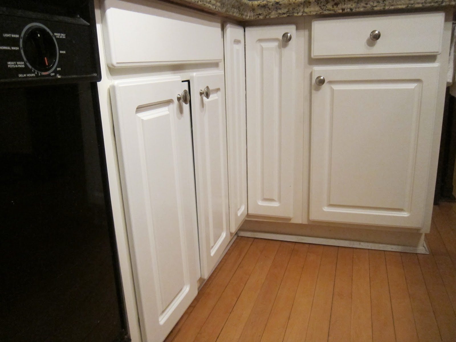 Refinishing Particle Board Cabinet Doors | www.resnooze.com