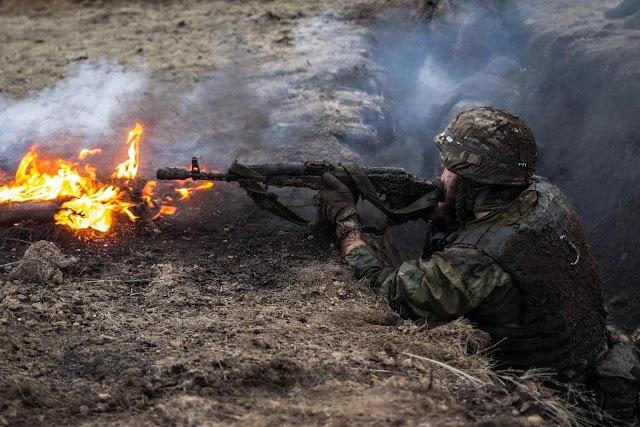 """З початку доби на Донбасі бойовики 7 разів порушили """"режим тиші"""", один військовий поранений"""