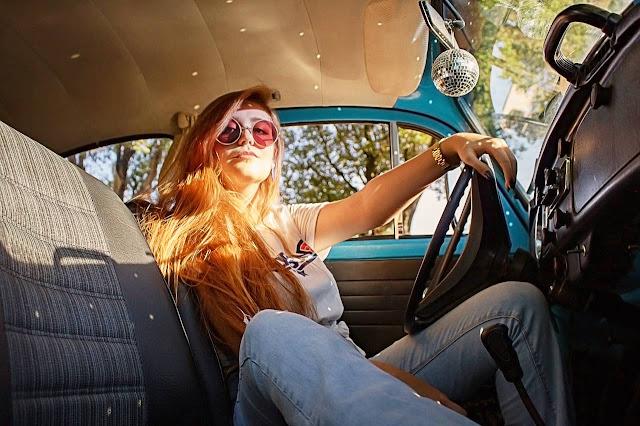 novice-female-driver