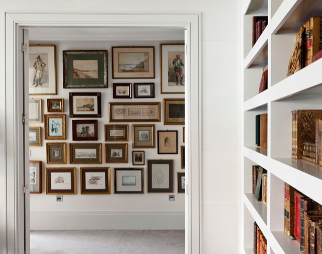 Como decorar un pasillo con peque os cuadros - Decorar pasillos con cuadros ...
