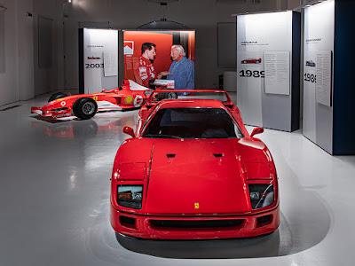 Gianni Agnelli e Ferrari. L'eleganza del mito