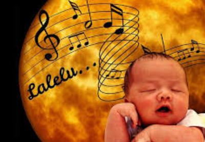 Menyanyikan lagu anak
