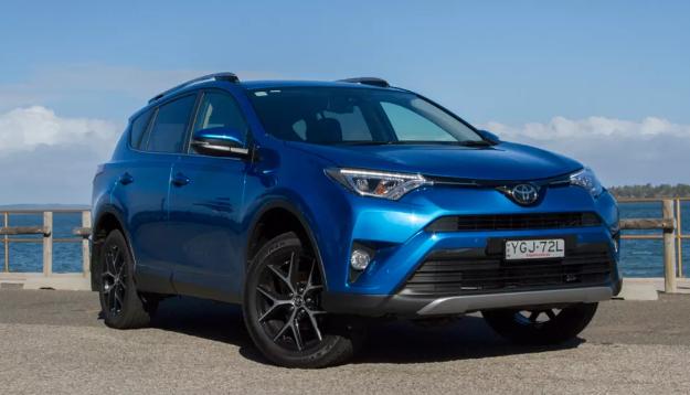 2018 Toyota RAV4 AWD Review
