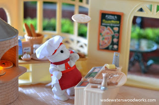 wadewaterswoodworks.com sylvanian families  village pizzeria