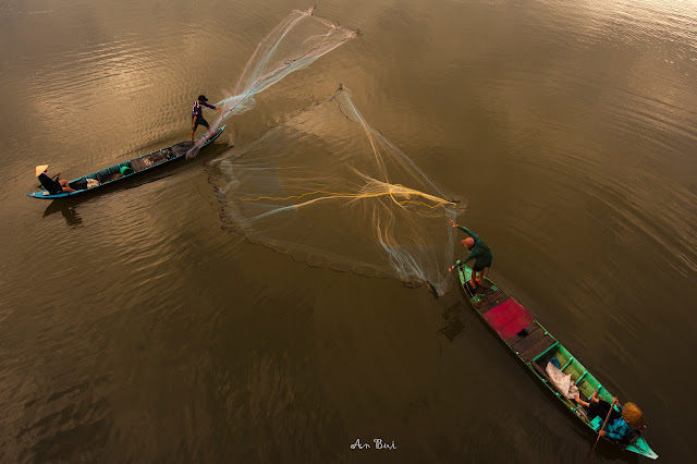 Photography during flooding season in Mekong delta