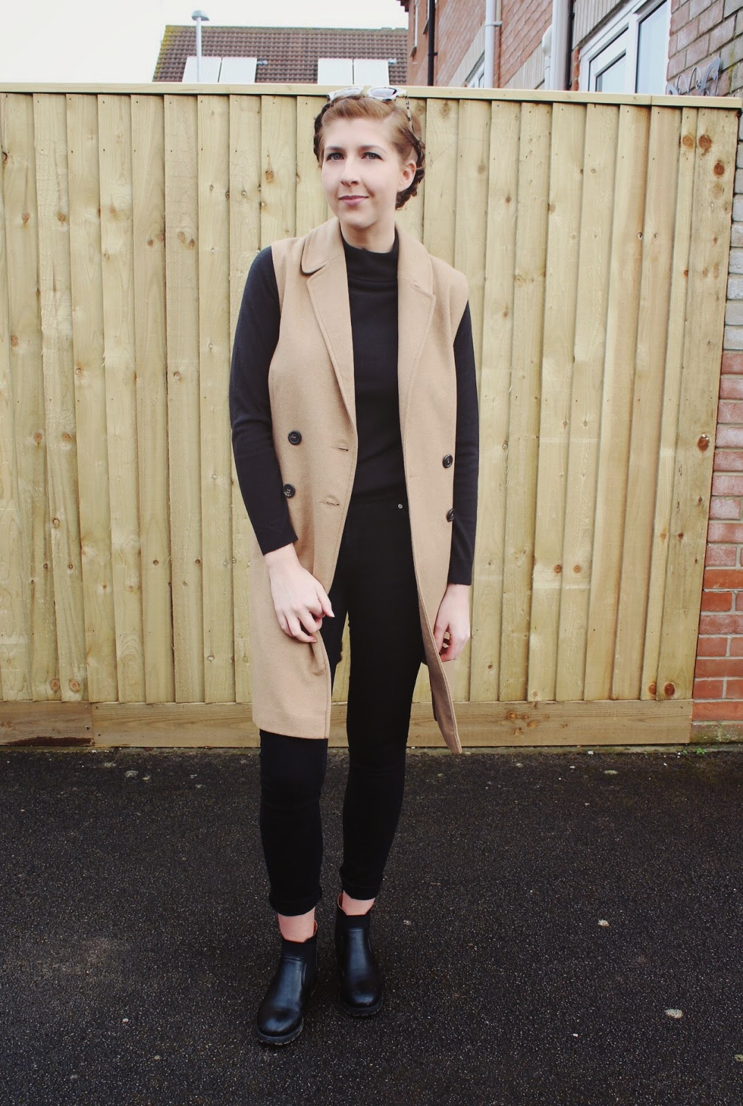 asseenonme, asos, newlook, sleevelessjacket, cameljacket, primark, rollneck, blackskinnyjeans, halcyonvelvet, wiw, whatimwearing, lotd, lookoftheday, ootd, outfitoftheday, fashionbloggers, fashion, fbloggers, fblogger