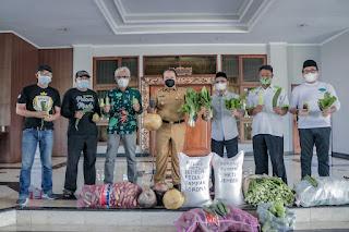 Bupati Jember : Kepedulian HKTI dan PWJ Bantu Warga Patut Dicontoh