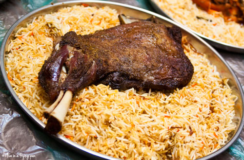 Blue olive grill popular rice dishes of the middle east and north the word mandi comes from the arabic word nada meaning dew and reflects the moist dewy texture of the meat mandi is usually forumfinder Images