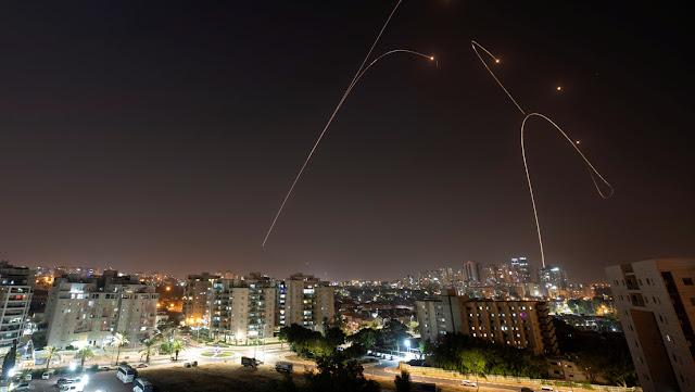 Reportan que Israel ha realizado un ataque en la Franja de Gaza, en respuesta al lanzamiento de dos misiles