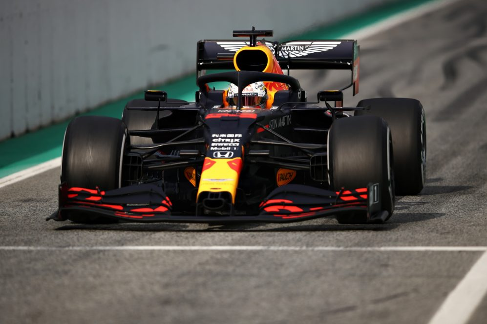 A Red Bull anteriormente preferia um design de nariz largo, mas o RB16 é muito mais estreito que o seu antecessor