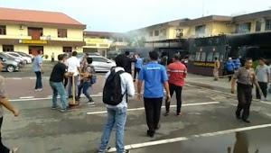 Video Detik Detik Bom Bunuh Diri Di Polres Medan