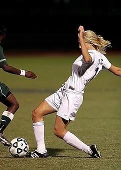 من قال أن الفتيات لا يمكنهن لعب كرة القدم؟