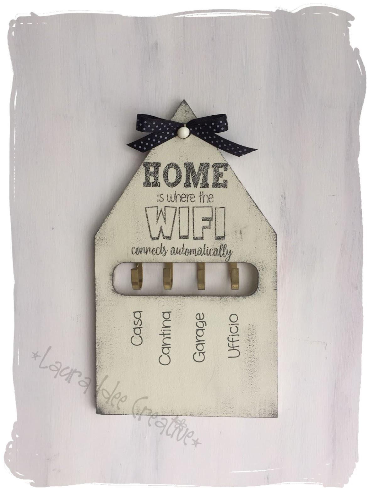 Laura idee creative portachiavi da parete in legno a - Idee regalo x la casa ...