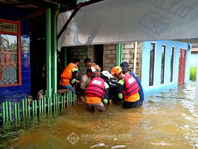 Banjir Mengepung Tanah Laut, ERM ACT-MRI Kalsel Turun Tangan