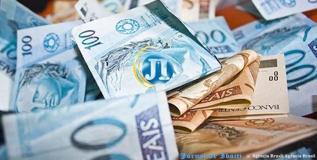 Governo reajusta salário mínimo para R$1.039 em 2020