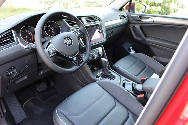 VW Tiguan 2019 250 TSI Comfortline Flex - interior