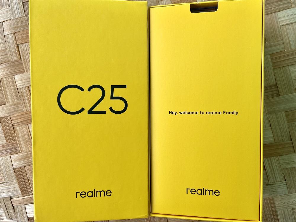 realme C25 Inside the Box