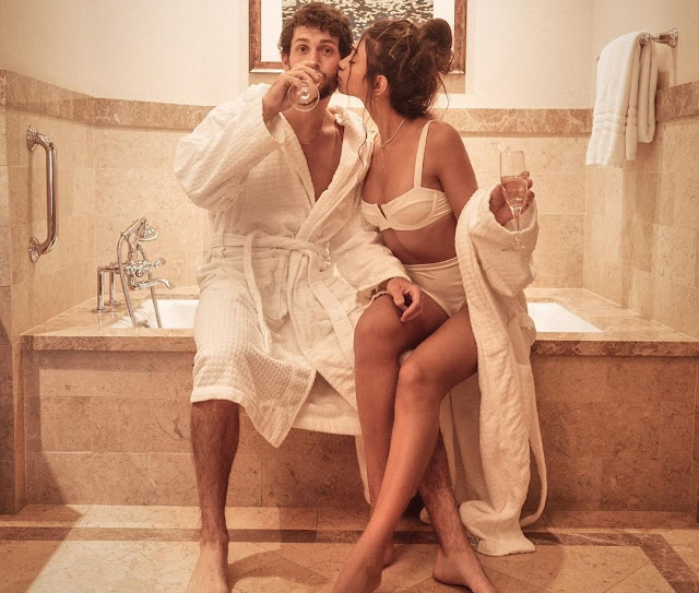 alanna-panday-SPENT GOOD TIMES with boyfriend in bathroom- newsdezire