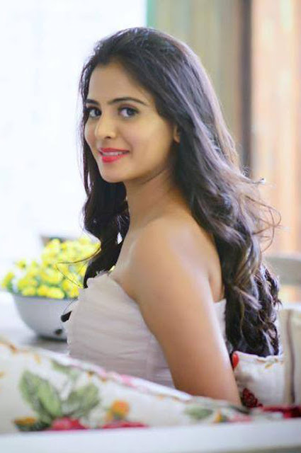 Katamarayudu Actress Manasa Himavarsha Photos