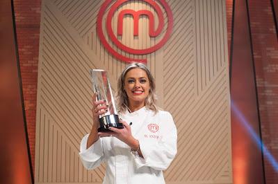 A gaúcha de 37 anos conquistou o título de melhor cozinheira amadora e levou para casa o prêmio de R$ 200 mil - Divulgação/Band