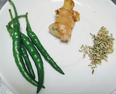 Green Chilly, Ginger and fennel seeds for samosa recipe