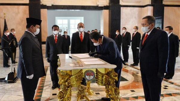 Prabowo Lantik Suryo Prabowo Jadi Ketua Pelaksana Komite Industri Pertahanan