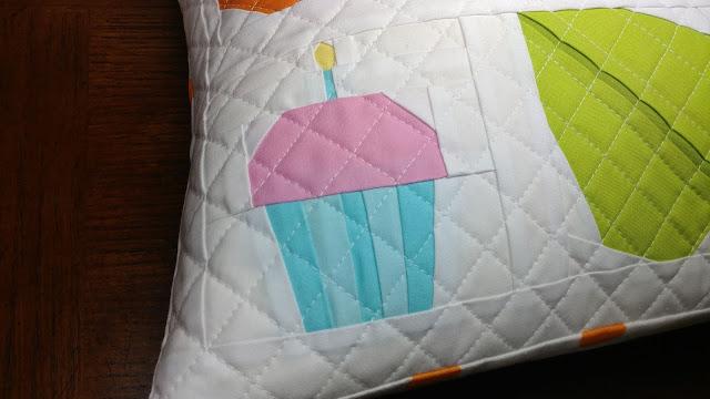 Paper pieced cupcake quilt block