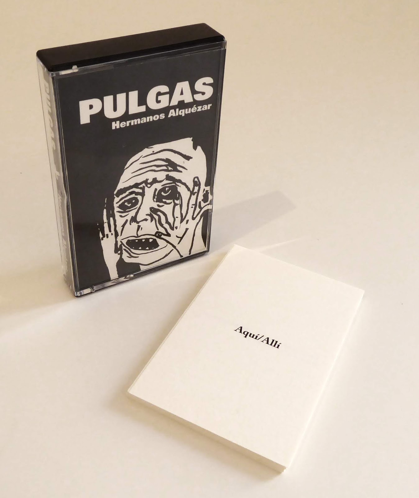 http://www.colectivolamaquina.org/2019/11/pulgas-lm007-es-una-antologia-de.html