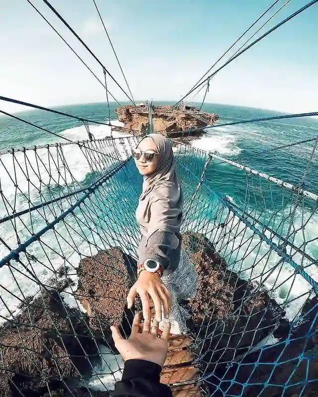 Jembatan gantung Pantai Timang Jogja - foto instagram dienanshafyah