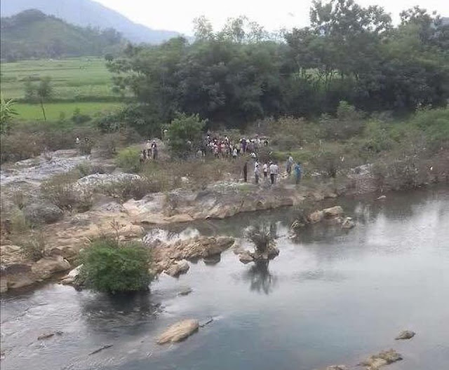Tìm thấy thi thể 4 mẹ con nghi nhảy suối tự tử ở Hòa Bình