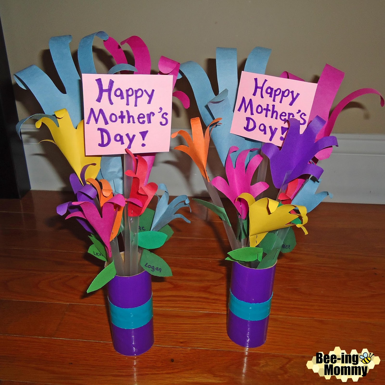 Bee-ing Mommy Blog: Hand Print Flower Bouquet