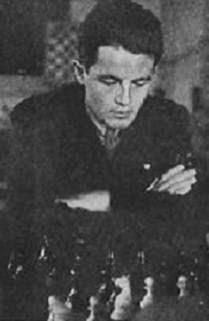 Francisco José Pérez jugando ajedrez