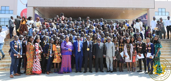 President Akufo-Addo Inducts 378 New Doctors, Dentists; Announces Arrival Of Ambulances