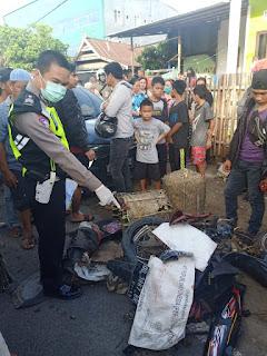 Personel Sat Lantas Polres Gowa Datangi TKP Kecelakaan, 1 Tewas 2 Luka-luka