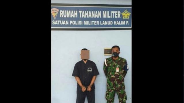 Beredar Foto Diduga Oknum TNI Dukung HRS, Diborgol dan Pakai Baju Tahanan