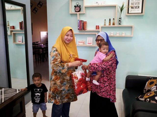 Homestay Seri Manjung  Lumut || Cik Habsah with Owner