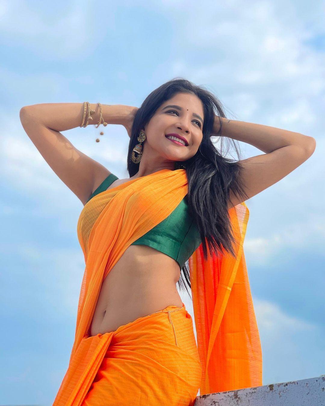Actress Sakshi Agarwal Saree Photos