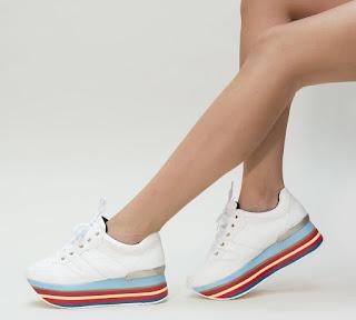 Adidasi femei albi, cu talpa groasa cu imnprimeu color