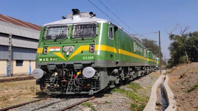 बिहार के बीच चली पहली 'textile parcel स्पेशल ट्रेन', देगी सूरत के कपड़ा बाजार को रफ्तार