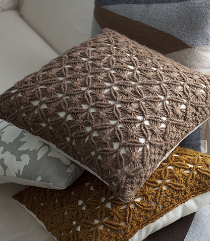 Macrame can also be used to make pillows, as in the case of these from
