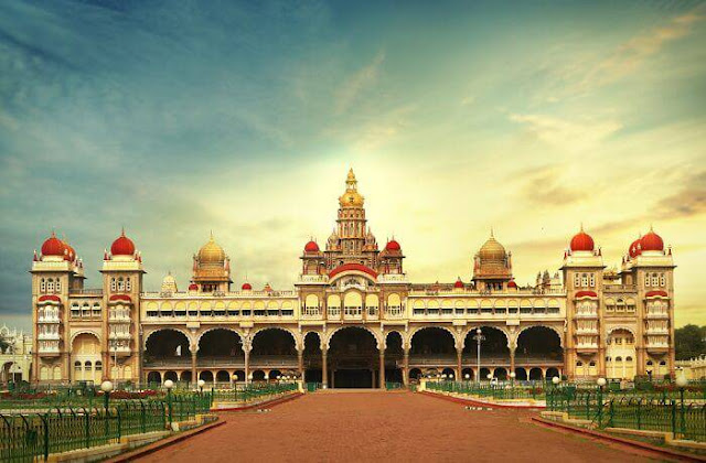 State of Karnataka-Map-Population-Transport-Economy-Capital-Culture etc,