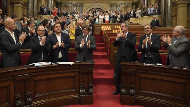 """TC de España anula ley de transición a la """"república de Cataluña"""""""
