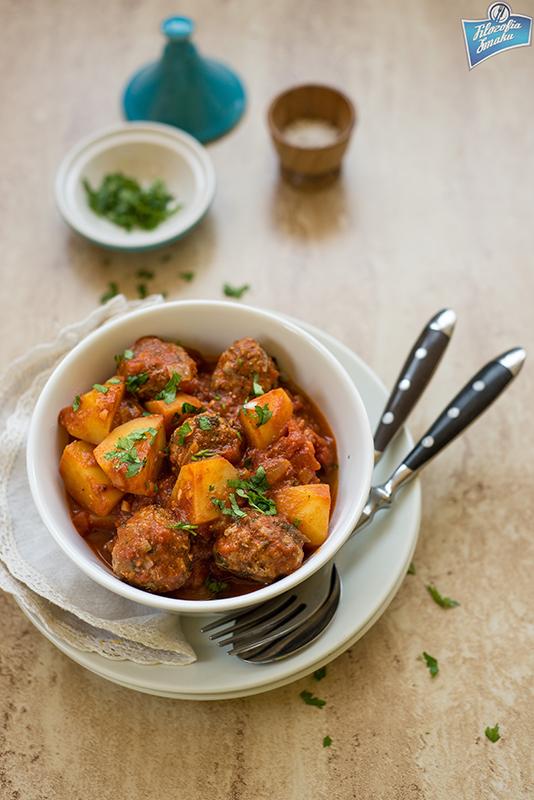 Arabska potrawka z klopsikami i ziemniakami